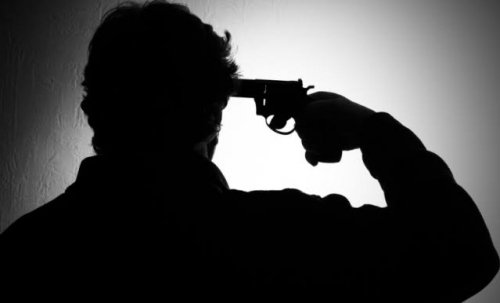 Polisi Tembak Kepala Sendiri di Depan Istri dan Mertua