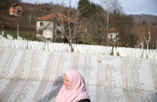 Mantan Jenderal Serbia Didakwa Bantai 8.000 Muslim Bosnia pada 1995