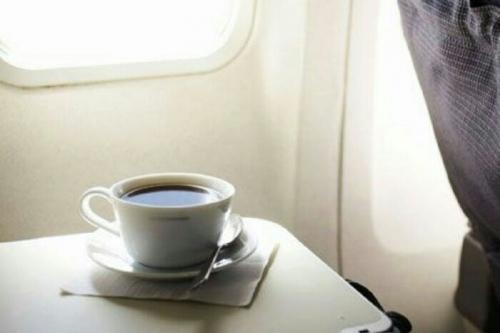 Setelah Baca Ini Dipastikan Anda Tak Mau Lagi Minum Kopi di Pesawat