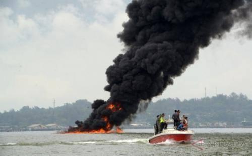 Radius 7 Kilometer Pantai di Teluk Balikpapan Tercemar Tumpahan Minyak