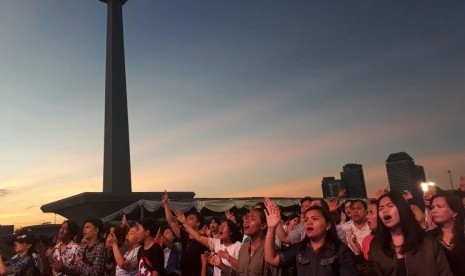 30 Ribu Umat Kristiani Rayakan Paskah di Monas, Dihadiri Gubernur DKI Anies Baswedan