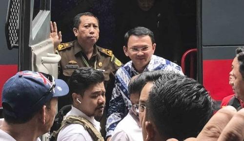 Kata Pengamat, Ahok Dekat dengan Jokowi, Makanya Aparat Tak Berani Pindahkan ke LP