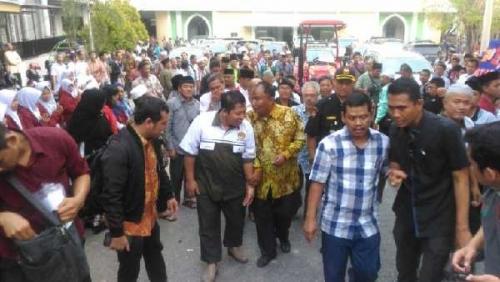 Senyuman Ratusan Warga Binaan LDII Riau dan Kelompok Tani Bersama Effendi Sianipar