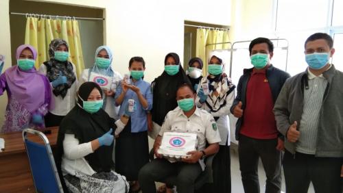 DPD PPNI Meranti Salurkan Suplemen kepada Perawat di Puskesmas dan RSUD