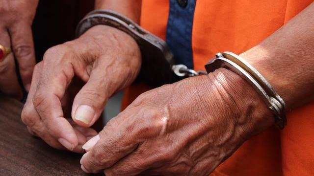 Bisnis Terlarang Warga di Kepulauan Meranti Ini Berakhir di Tangan Polisi
