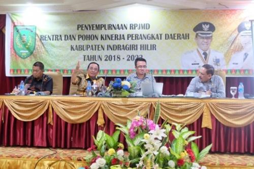 Didampingi Wabup dan Sekdakab, Bupati Inhil Pimpin Penyempurnaan RPJMD 2018-2023