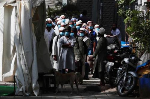 Dikarantina, Muslim India Tak Disediakan Makanan Sahur, Hanya Diberi Kurma dan Pisang Saat Berbuka