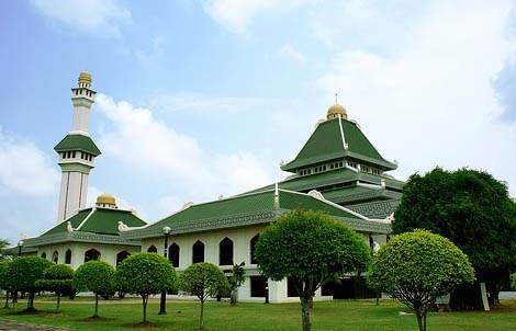 Semua Masjid di Melaka Diizinkan Gelar Shalat Tarawih, Jamaahnya Hanya Boleh 4 Orang