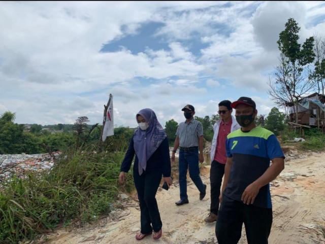 Masyarakat Tak Nyaman dengan Lalat Hijau, Ida Yulita Tinjau TPS Ilegal