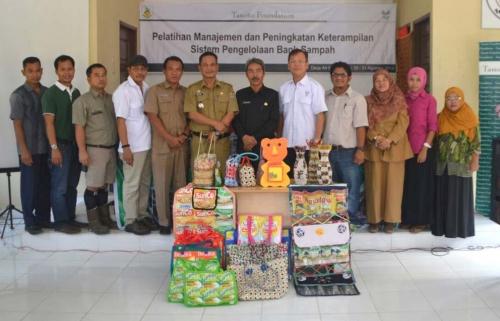 Asian Agri & Tanoto Foundation Latih Warga Sulap Sampah Jadi Rupiah