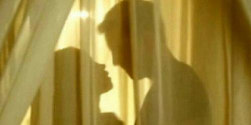 Saat Istrinya Hidupkan Lampu Kamar, Pria Ini Baru Sadar Telah Tiduri Adik Iparnya