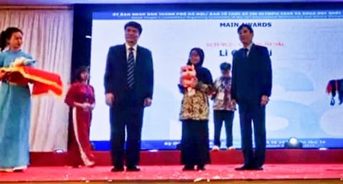 Cleorisya Ranggi Tsabita Satu-satunya Pelajar Siak yang Bawa Medali dari IMSO 2019 di Vietnam