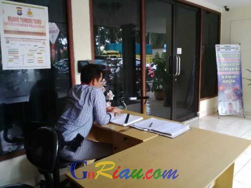 Sandang Status Tersangka, Kadisdikpora Rohul Jalani Pemeriksaan Perdana di Polda Riau