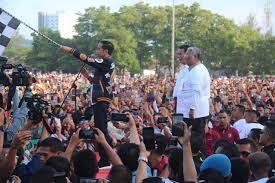 Lepas Gerak Jalan Sehat di Kendari, Jokowi Tak Sebut Dua, dari Tiga Langsung Satu