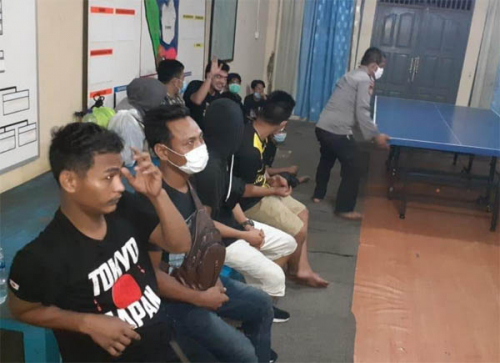 Ditpolairud Polda Riau Tangkap Speedboat Berisi 16 TKI Ilegal dari Malaysia di Dumai, Satu Speedboat Masih Dikejar