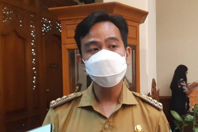 Anak Presiden Jokowi Ini Akan Copot Pak Lurah, Kenapa?