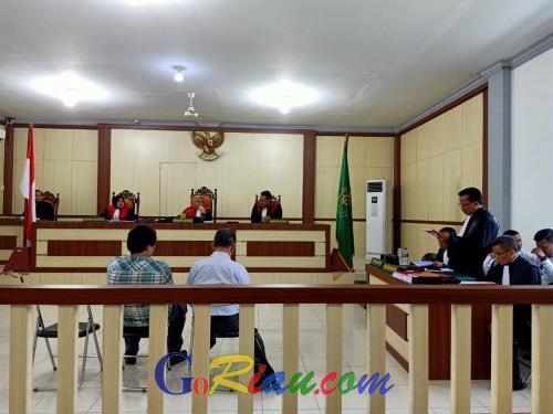 Bacakan Pledoi, PH Terdakwa Sebut Dua Kliennya Tidak Terbukti Melakukan Pemalsuan SK Menhut
