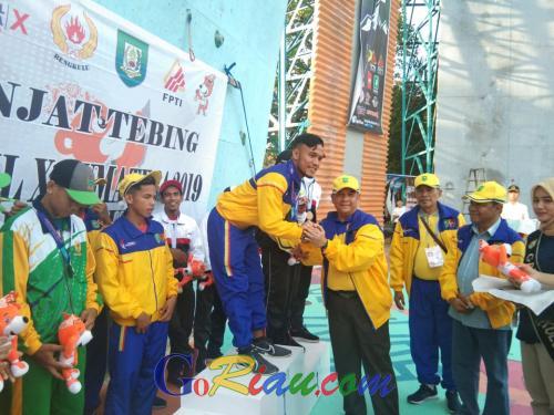 Tim Panjat Tebing Riau Tambah Medali Emas dan Perunggu di Porwil X Bengkulu