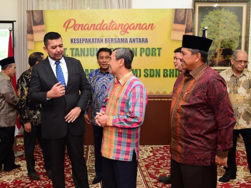 Wakil Menlu Malaysia Bahas 3 Poin Penting Prospek Ekonomi dengan Gubri Syamsuar