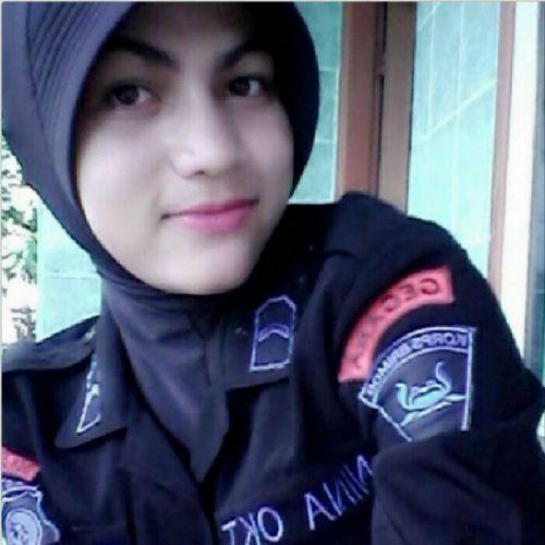 Bripda Nina Oktoviana, Anggota Brimob nan Cantik Ini Konsisten Gunakan Jilbab