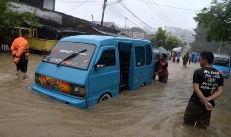 Banjir dan Longsor di Manado Renggut 4 Jiwa