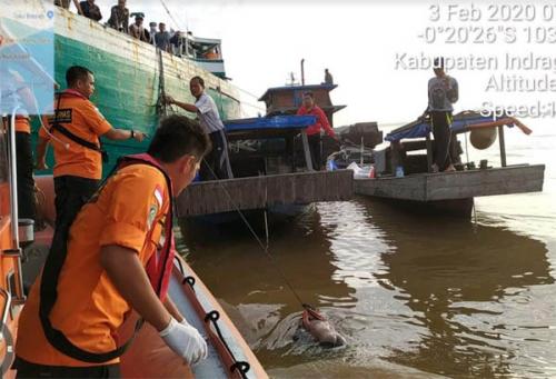Anak Usia 6 Tahun yang Tenggelam Bersama Pompong di Tembilahan Ditemukan