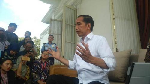 Jokowi Perintahkan Kapolri Tangkap Penimbun dan Penjual Masker dengan Harga Tinggi