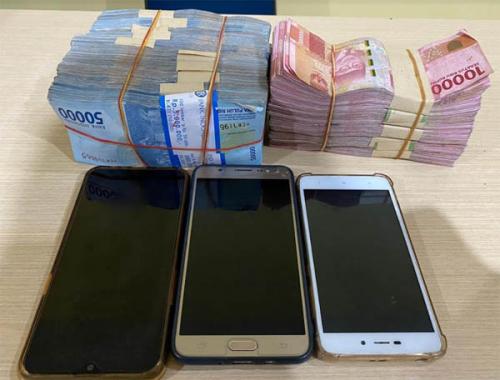 Peras Perusahaan, Tiga Oknum Kepala Desa di Kampar Terjaring OTT, Uang Tunai Rp100 Juta Turut Diamankan Petugas