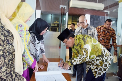 Genjot Pendapatan Pajak Daerah, Bupati Teken MoU Bersama