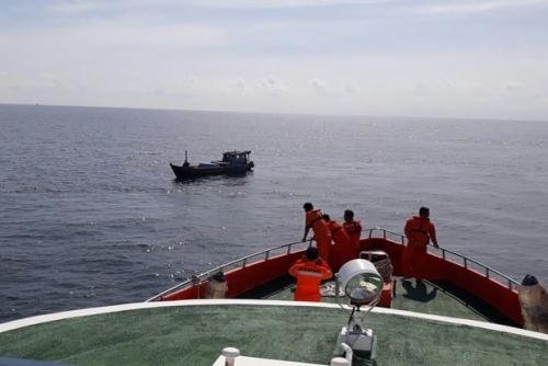 Kapal Bermuatan 44 Penumpang Karam di Kota Tinggi, 18 WNI Belum Ditemukan