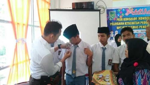 Bekerjasama dengan Puskesmas, Polsek Enok Lakukan Pelatihan Pelayanan Kesehatan Peduli Remaja