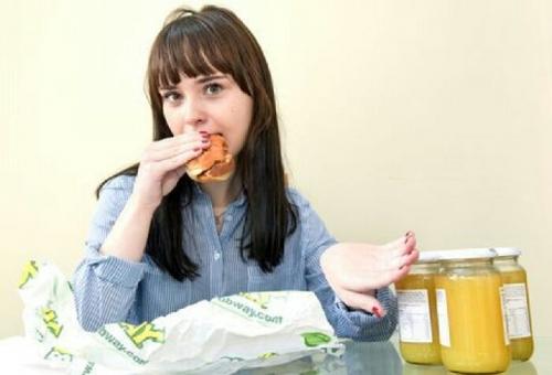 Idap Selective Eating Disorder, Gadis Cantik Ini Hanya Bisa Konsumsi Satu Jenis Makanan