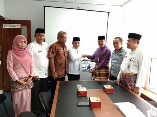 Serahkan Hasil Penetapan Pemenang Pilkada ke Pemprov, Ketua DPRD Inhil: Kemungkinan Wardan-SU akan Dilantik Desember 2018
