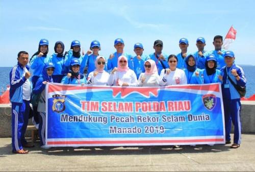 15 Personil Polda Riau Ambil Bagian dalam Pemecahan Rekor Selam Dunia di Manado