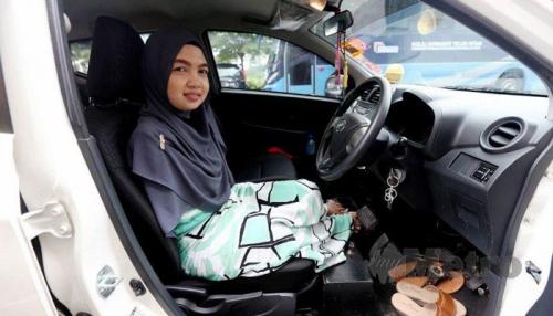 Tak Punya Tangan, Norfarrah Syahirah Bisa Kemudikan Mobil ke Mana-mana