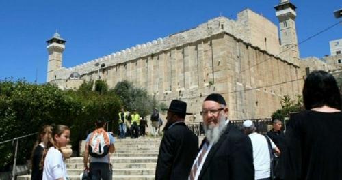 Kaum Yahudi Lakukan Ritual Talmud, Pasukan Israel Serbu Masjid Ibrahim