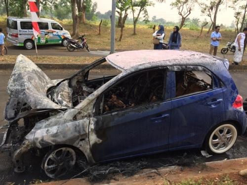 Mobil Brio yang Terbakar Ketika Mesin Mati Baru 8 Bulan Dipakai