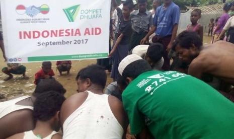 Alhamdulillah, Tim Dompet Dhuafa Berhasil Masukkan 20 Sapi Kurban ke Kamp Muslim Rohingya di Myanmar