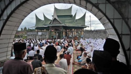 Jamaah Tarekat Syattariyah di Sumbar Shalat Idul Adha Hari Ini