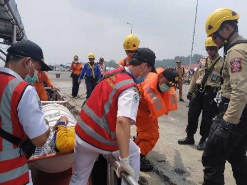 Kapal MV Sarex Terbakar di Perairan Dumai, Tim SAR Lakukan Evakuasi