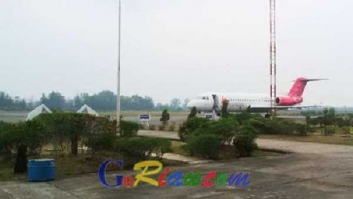 Penerbangan di Bandara Pinang Kampai Dumai Kembali Terganggu Akibat Asap