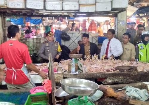 Cek Kestabilan Harga Sembako, Kapolres dan Disperindag Inhil Sidak ke Pasar-pasar di Tembilahan
