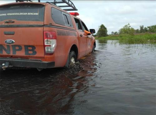 Banjir Masih Rendam Sejumlah Jalan di Pelalawan