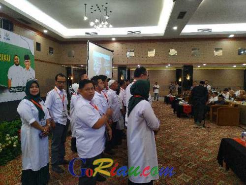60 Pengurus Apkasindo DPW Riau 2019-2020 Dikukuhkan, Pengurus yang Baru Diharapkan Pererat Persatuan dan Kesejahteraan Petani Sawit di Riau