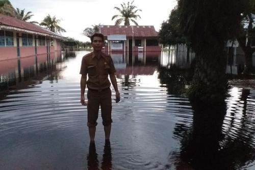 Banjir Belum Surut, 4 Sekolah di Bonai Darussalam Masih Diliburkan