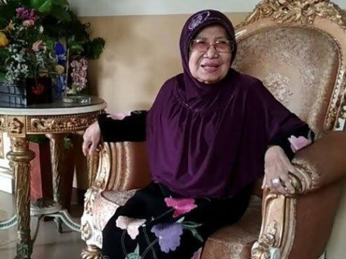 Maimanah Umar Tutup Usia, Gubri Syamsuar: Beliau Tokoh Perempuan Riau