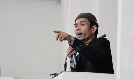 UAS Mengaku Bangga dan Puas Berceramah dalam Ruang Masjid Tanpa Tiang di Padangpanjang