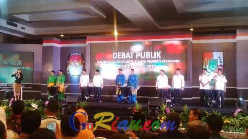Debat Publik Pilwako Pekanbaru 2017, Paslon Firdaus-Ayat Diserang Kasus Sampah dan Kota Madani