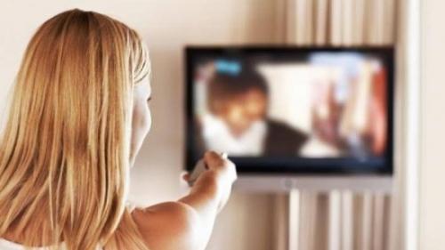 Tonton Film Panas, Remaja Putri Kaget Ternyata Dibintangi Ibu dan Ayahnya