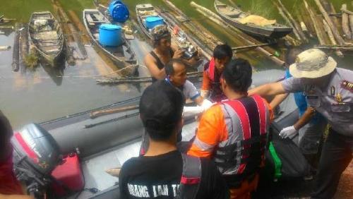 1 Korban Bencana Banjir di Pangkalan Koto Baru Ditemukan Tewas Mengapung Diantara Sampah di Aliran Sungai Batang Mahat